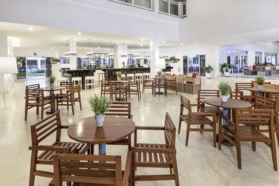 Bar del lobby en el hotel Sol Varadero Beach