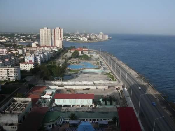 Vista aerea del Malecon, La Habana, Cuba