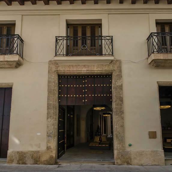 Residence 612 hotel facade