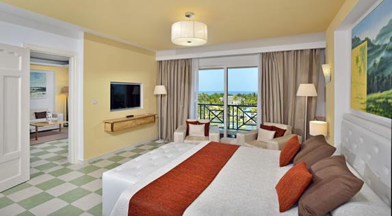 Hotel Grand Suite Room