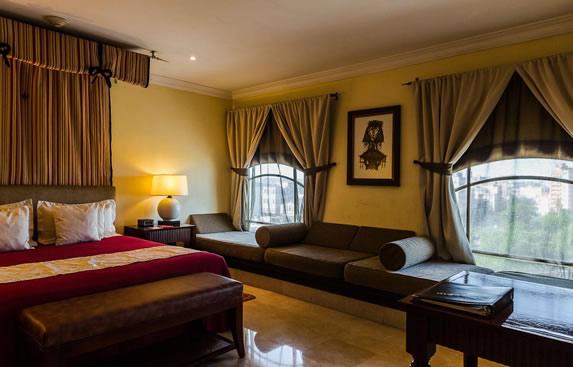 Junior Suite at the Saratoga hotel