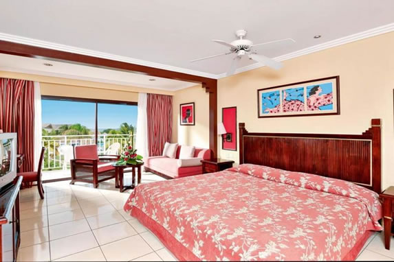 Double room with wooden furniture