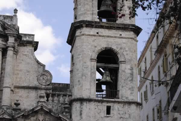 Plaza de la Catedral - Havana, Cuba.