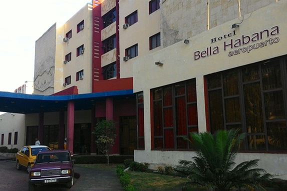 View of the hotel Bella Habana entrance
