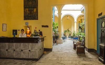 Hotel Beltran De Santa Cruz Lobby