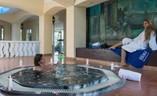 Jacuzzi en el Hotel Blau Costa Verde