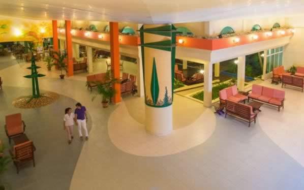 Hotel Blau Costa Verde lobby