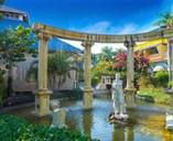 Hotel Blau Costa Verde - statue in gardens