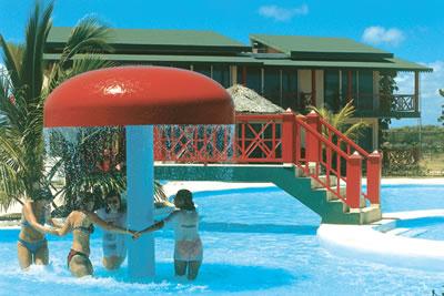 Hotel Brisas Covarrubias piscina , Las Tunas, Cuba