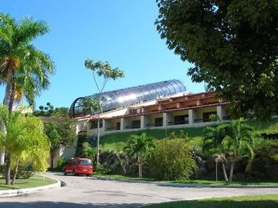 Entrada del Hotel Brisas Sierra Mar