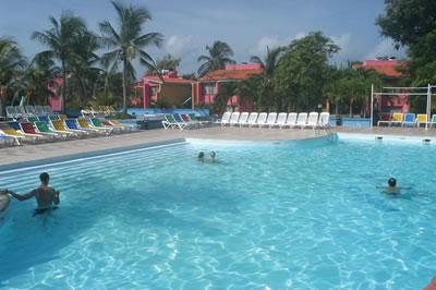 Hotel Club Amigo Caracol Pool