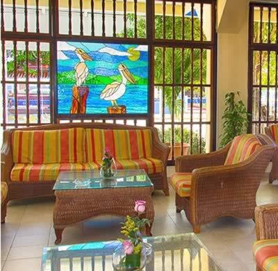 Lobby del Hotel Club Tropical