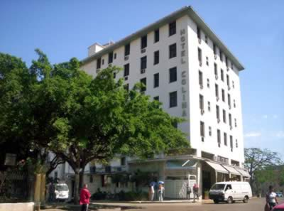 Fachada del Hotel Colina