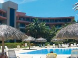 Pool of hotel Coralia Club Playa de Oro