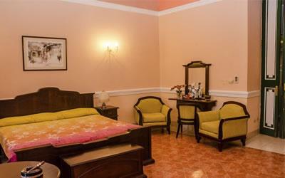 Hotel El Conde de Villanueva Habitacion