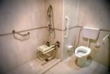 Baño de habitación del Hotel Encanto Arsenita