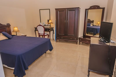 Hotel El Marques Room