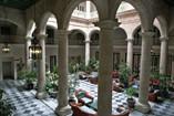 Hotel Florida Patio Interior