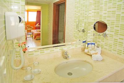 Hotel Four Points By Sheraton Havana Bathroom