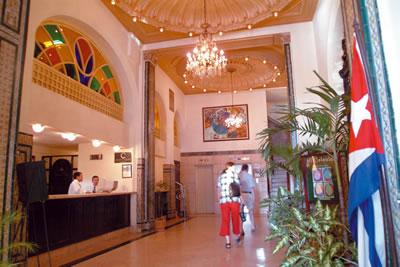 Recepción del Hotel Inglaterra