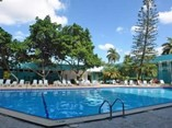 Piscina del Hotel Kohly, La Habana
