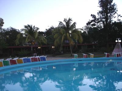 Piscina del Hotel Las Cuevas