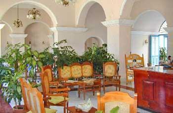 Hotel Mascotte Lobby