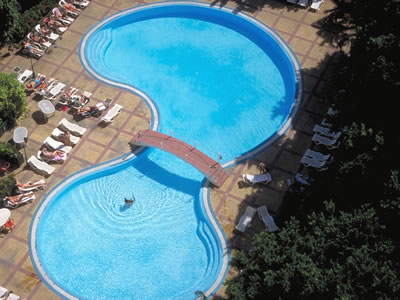 Pool of Hotel Mercure Sevilla
