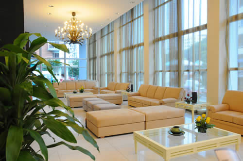 Lobby del Hotel NH Capri