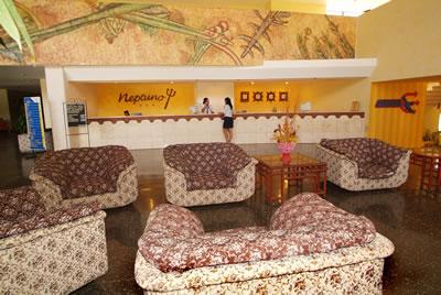 Lobby del hotel Neptuno-Tritón