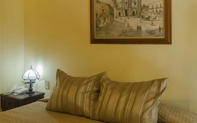 Hotel O´Farril room