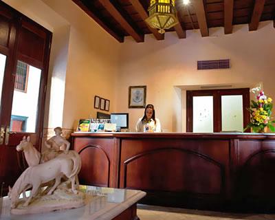 Recepción  del Hotel Palacio O' Farril, Cuba