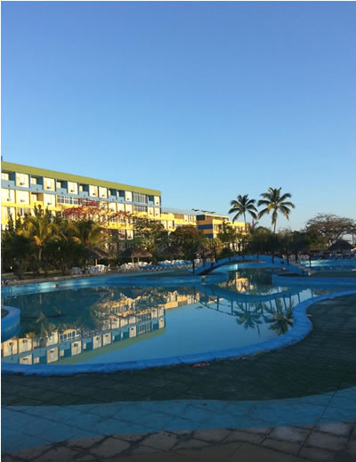 Pool of hotel Pasacaballo
