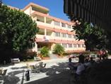 Fachada del hotel Pernik