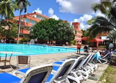 Pool of hotel Pernik