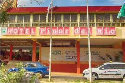 Facade of hotel Pinar del Río