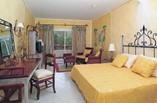 Hotel Playa Pesquero Room