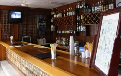 Bar del Hotel Rancho Hatuey, Sancti Spiritus, Cuba