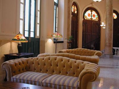Hotel Raquel Lobby