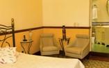 Hotel Raquel Room