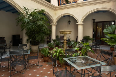 Hotel Santa Isabel Patio