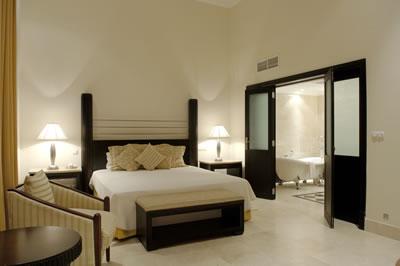 Hotel Saratoga Room