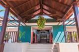 Fachada del hotel Trinidad 500
