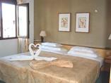 Hotel Victoria Room