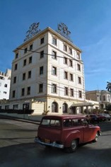 Fachada del Hotel Victoria