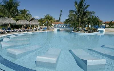 Hotel Villa Kawama Pool