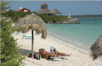Beach view of hotel Villa Las Brujas