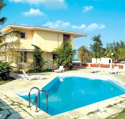 Inside view of  Hotel Villa Los Pinos, Havana