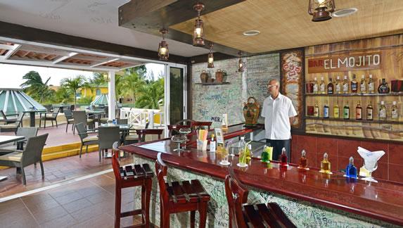 El Mojito lobby bar at Las Antillas hotel