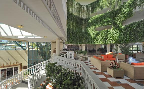 View of the lobby of the Melia Las Antillas hotel